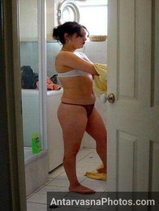 Indian porn photos me amazing body panty aur bra me dikhai