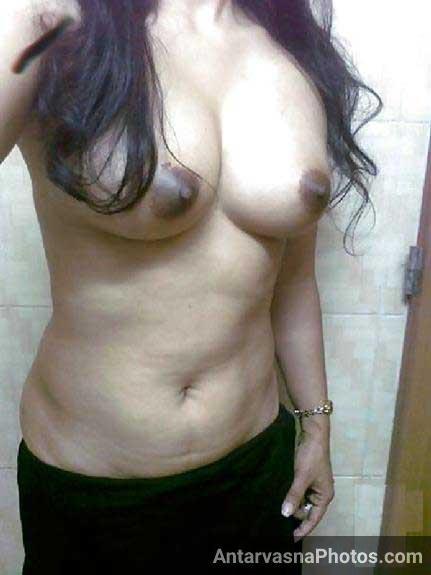 Indian babe ki beautiful brown chuchiya