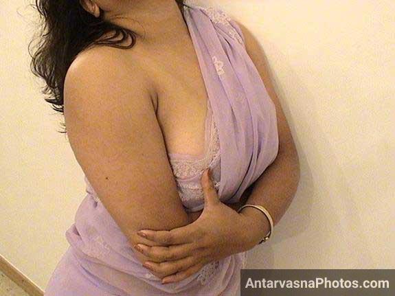 indian aunty boobs show kar rahi he