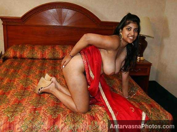 ghodi sex position me pose de rahi he