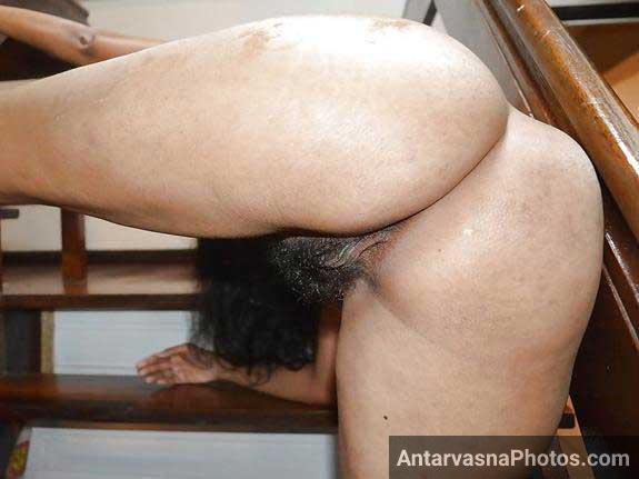 tight chut jhaantwali aur perfect gaand