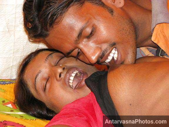 Indian randi ki chuchiya par bhai kat raha he
