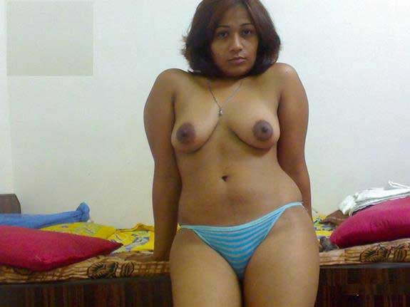 Sexy Indian wife ke perfect boobs aur chut