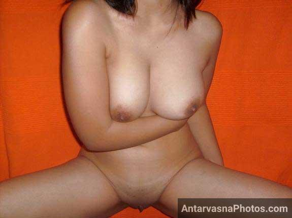 bade boobs ki hot karne wali pics he