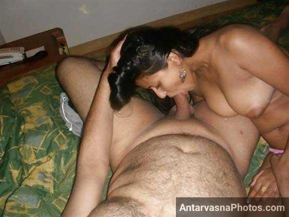 Indian blowjob de rahi he