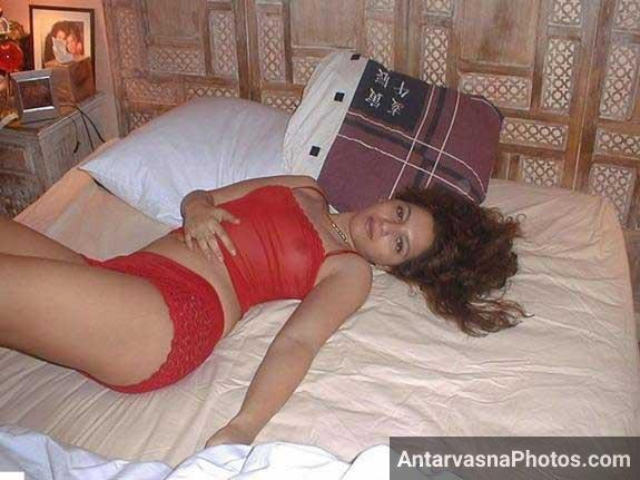 babe ko NRI bhabhi ki red dress me lovely pic