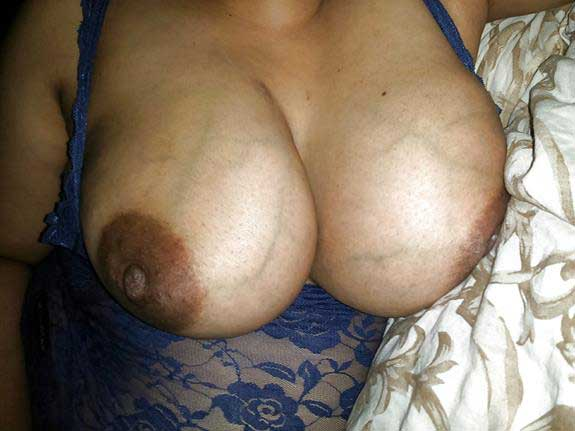 boobs dikha ke hot kiya
