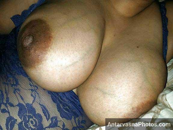 mature babe bade boobs dikha rahi he