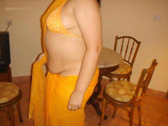 Chut ka photo dikhana he nude aunty