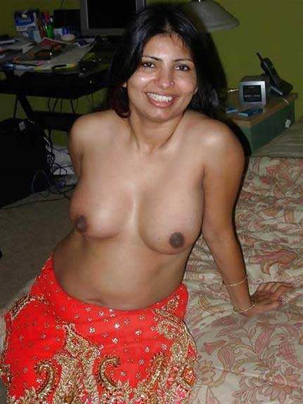 indian boobs dikha ke khush he