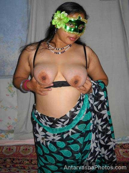 Velamma bhabhi ke perfect boobs