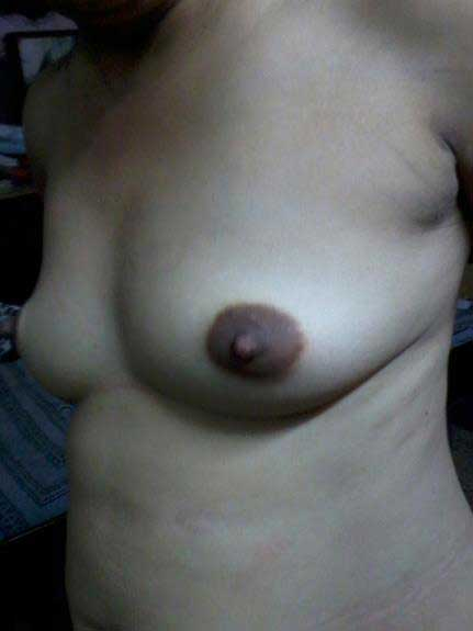 lovely boobs dikha rahi he