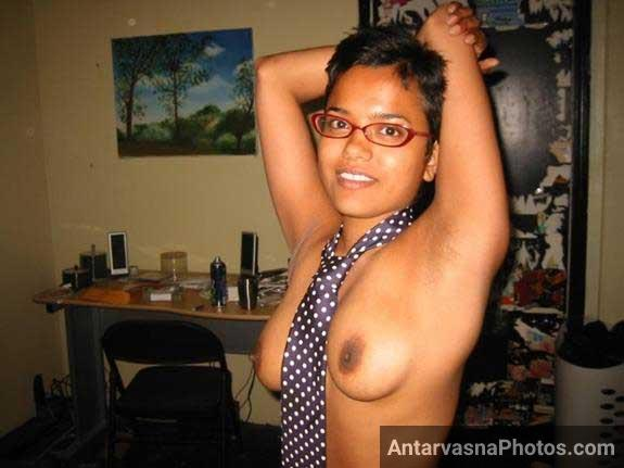 boobs dikha ke hot kiya