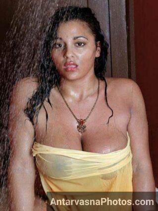 nude shower pics big boobs dikhae