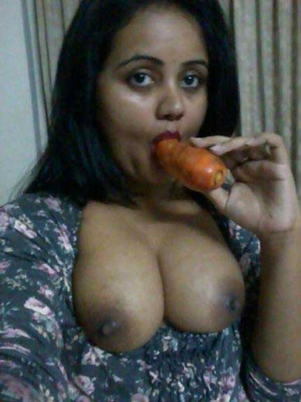 Big Indian boobs ka photo