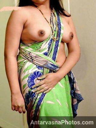 big Indian boobs dikha rahi he