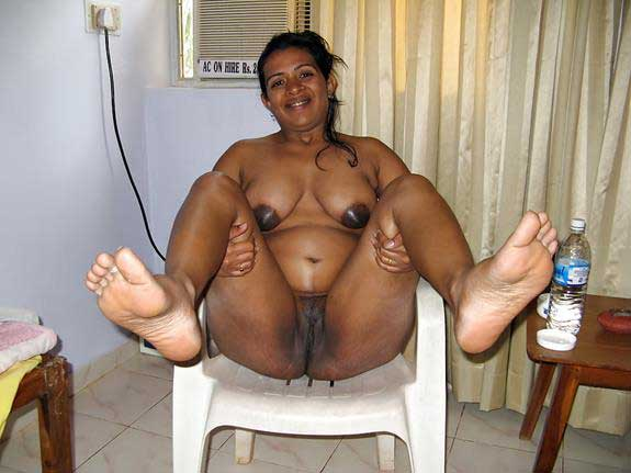 sexy Meena aunty ki Indian chut ka photo