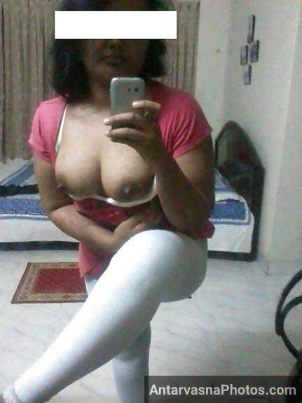 big Indian boobs ki selfie