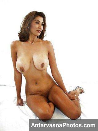 hot Indian girl ke bade mumme