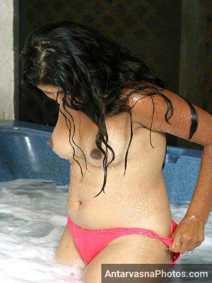 hot Indian girls ka sexy bath photo