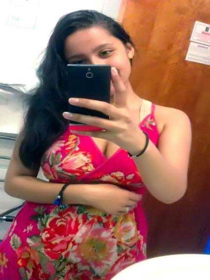 indian hot girl ki selfie