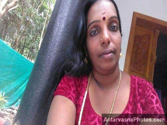 south Indian aunty ka photo hot kar de ga