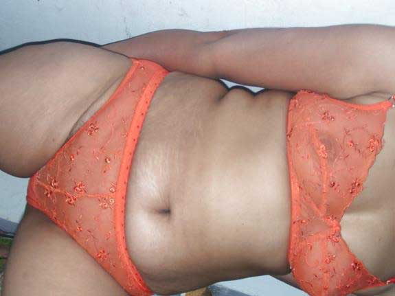 Tamil actress nude bath