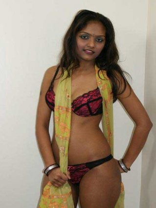 panty aur boobs ki pics desi indian girls