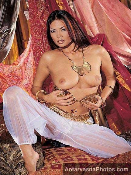 model ke nude boobs photos