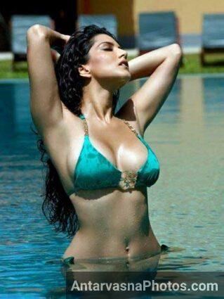 sexy Indian girl Raveena Tandon ka nude photo