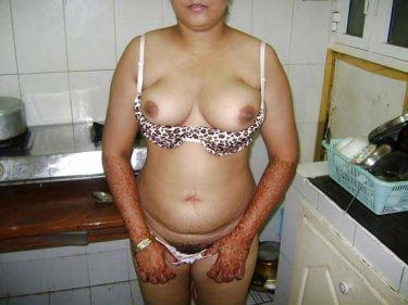 aunty ki sexy jhaant wali chut