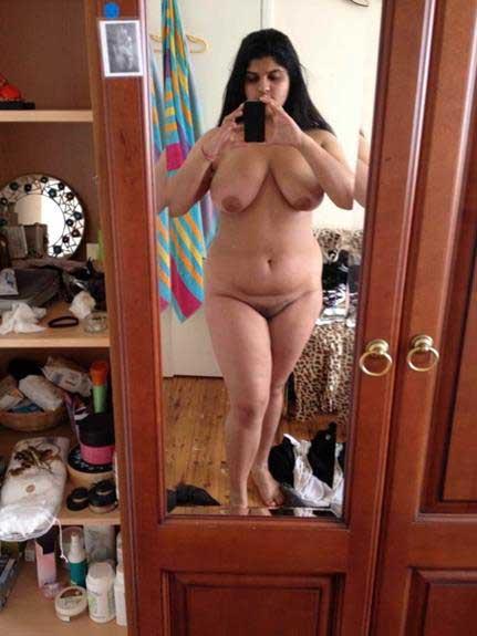 hot bhabhi ki nude selfie