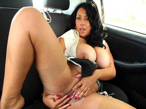 hot chut wali aunty