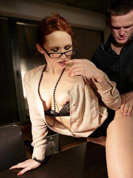 office sex photos dekhe