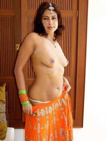 bhabhi ke Indian boobs photo