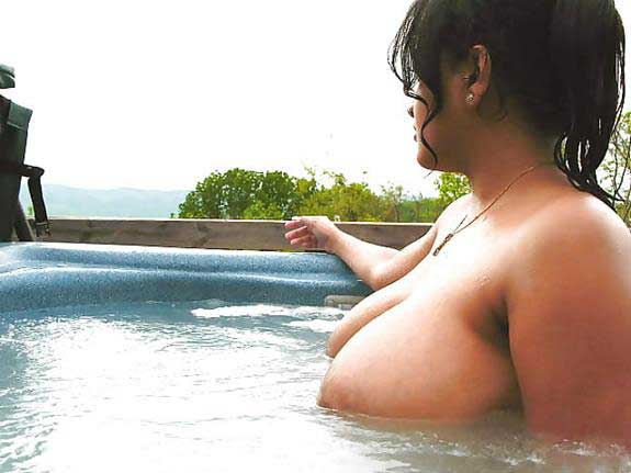 nude Indian aunties ke big boobs dekhe
