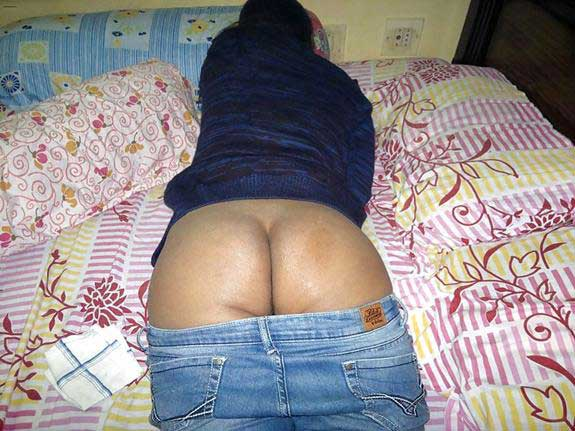 jeans me sexy gaand dekhe porn pics