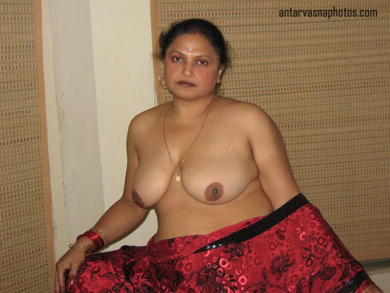 Indian mom ke big boobs pics