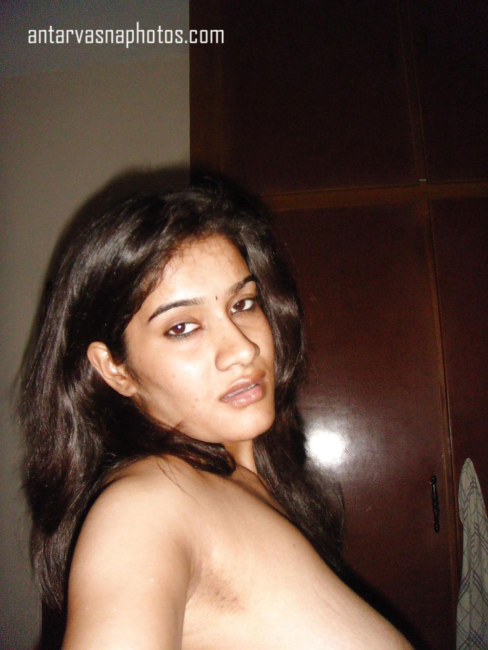 Sarita ki nude selfie