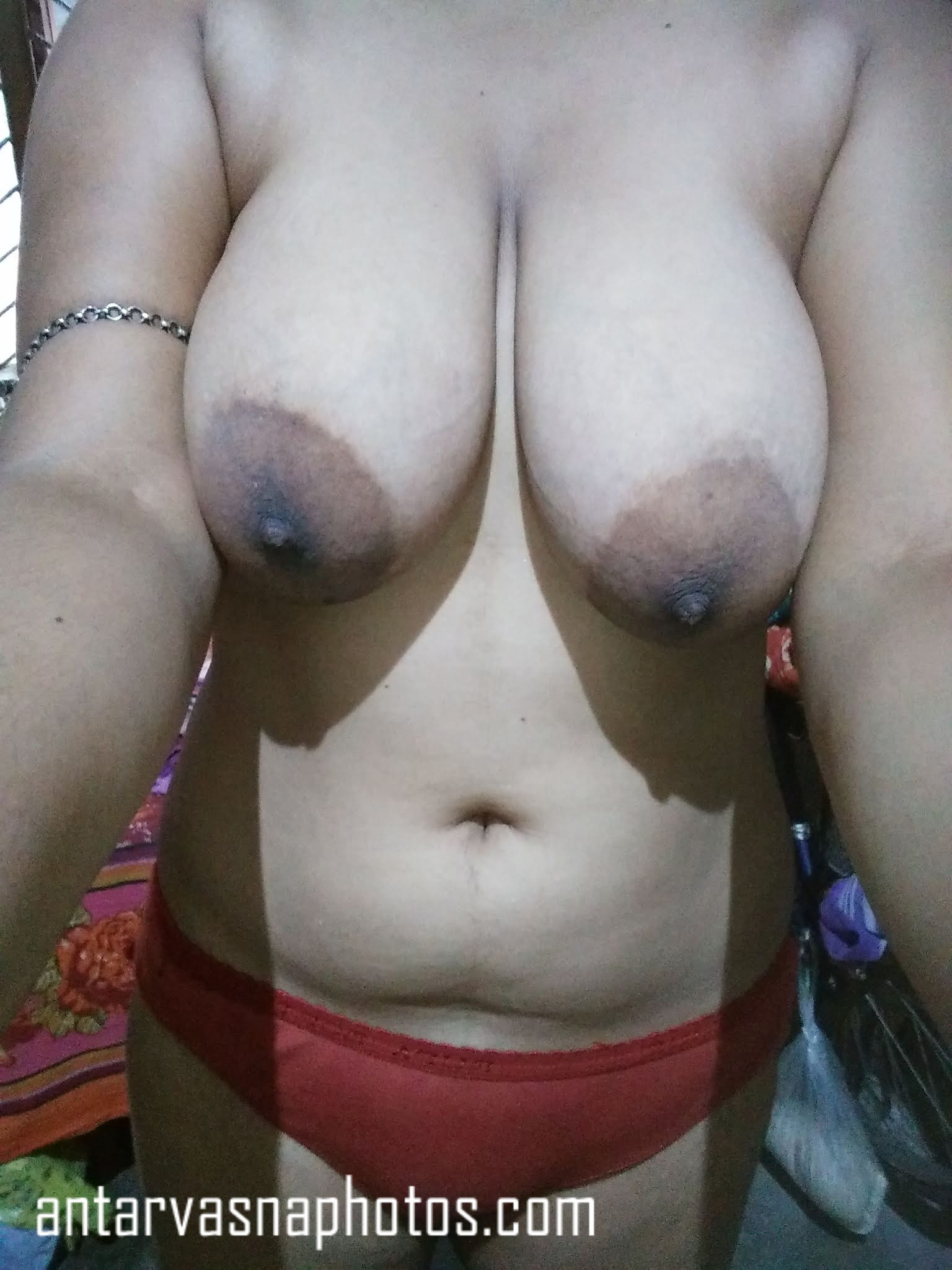 Bhabhi boobs