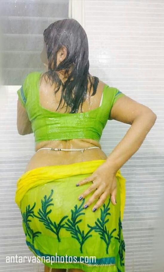 Saree pahni hui sexy bhabhi ki photos