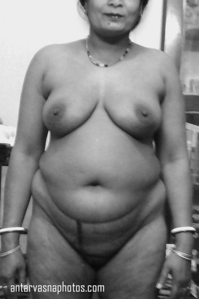 Desi aunt Sunita ki mast nude photos