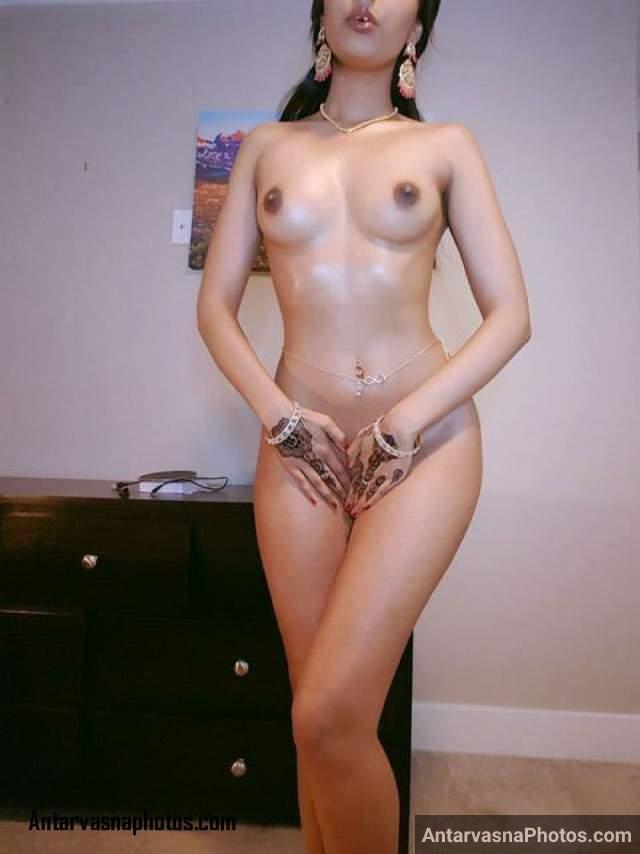 dulhan kavita ki sexy nude pose