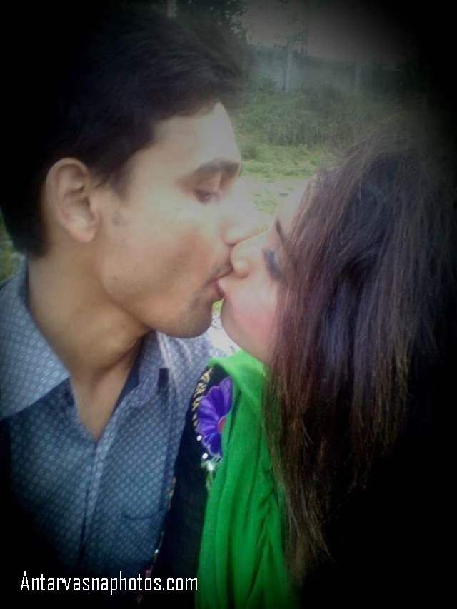 maya aur puran jungle me liplock kiss
