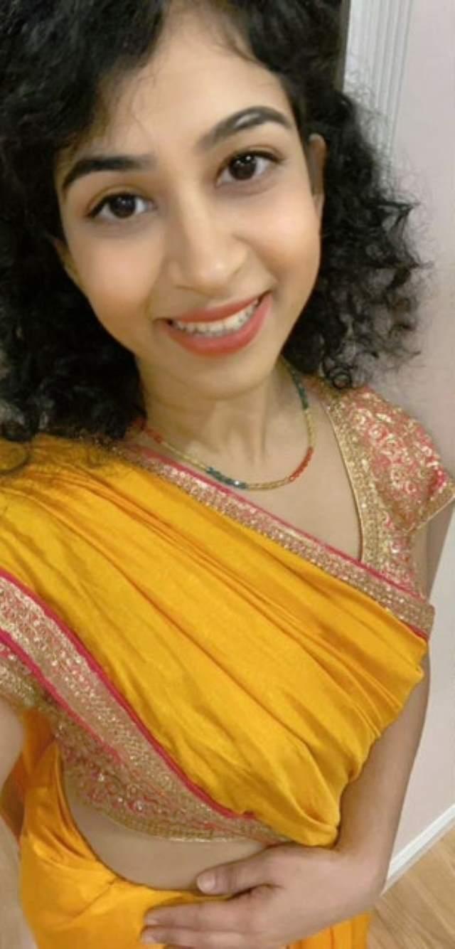 hot ankita ke boobs saree me bhi dikh rahe hain