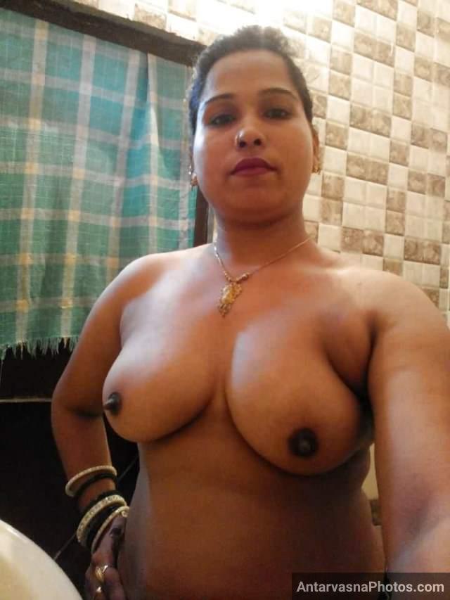 aunty big boobs selfie photos