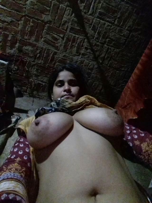 bed me nude leti sexy bhabhi pic