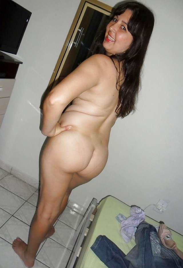nude hot bhabhi apni gaand dikhati pic