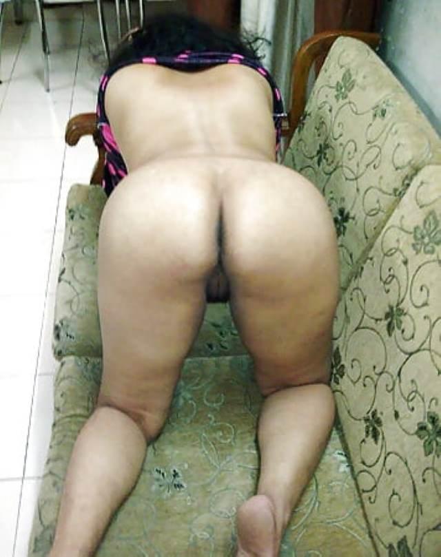 sofe par anal sex ko ready hot aunty
