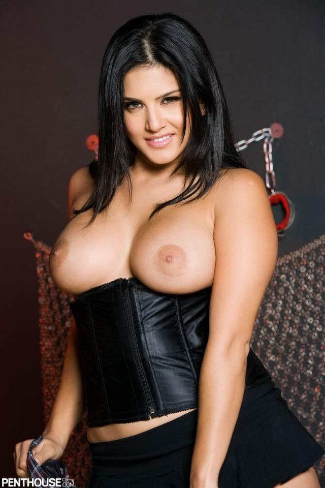 sunny ki big juicy boobs ki pic